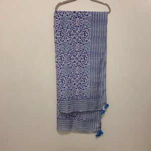 Vineyard Vines scarf blue and white